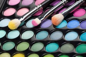 Stop Make-Up