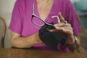 Coronavirus Can Land On your Glasses: How To Disinfect Your Specs.